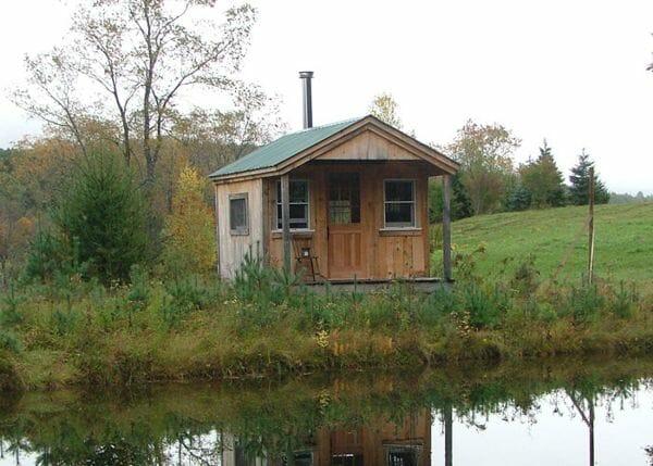 10x16 Pond House with four season insulation