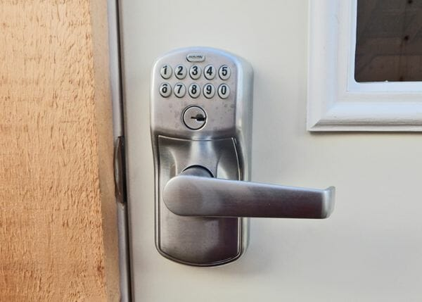 A keyless keypad entry can be added when ordering the four season kit.