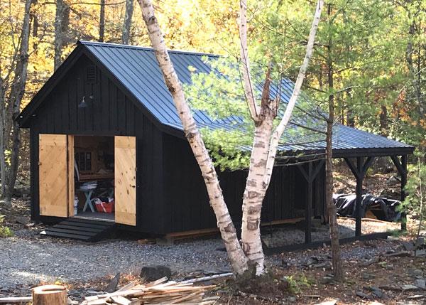 16c20 Barn with Overhang