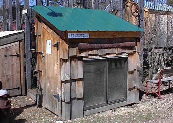 Custom 4x6 Chicken Coop with cedar shake siding