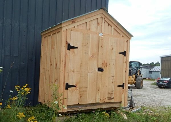 6x4 Utility Shed has been upgraded to have pine battens