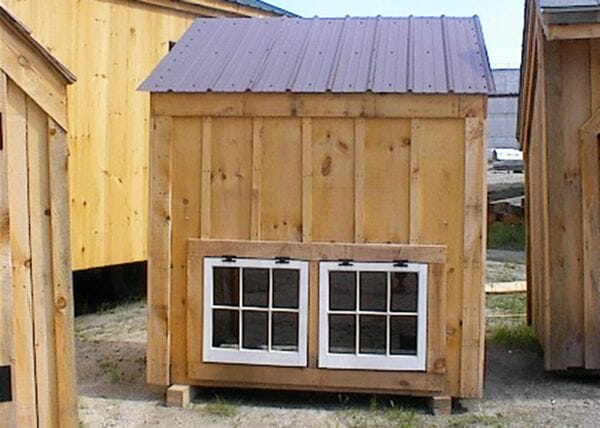 4x6 Coop with Tudor Brown roof