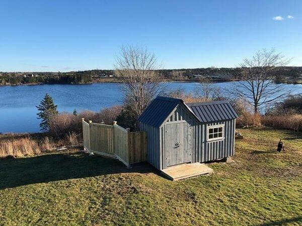 8x14 Vermont Gem with matte black roof