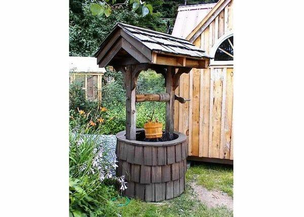 4x4 Wishing Well with wooden bucket