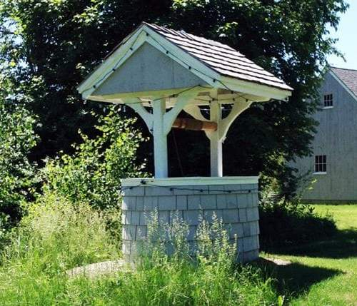 4x4 painted post and beam Wishing Well