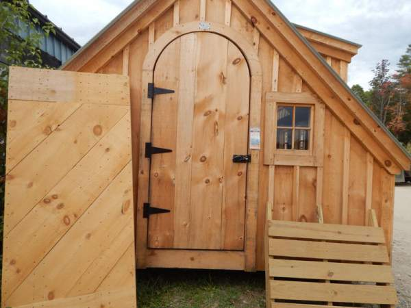 """3' JCS Built 2"""" thick Pine Arched Door on 10x20 Smithaven.  Exterior view. With Black Turn Latch."""