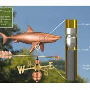 The single point contact built into the support rod allows the weathervane to spin freely in the wind.
