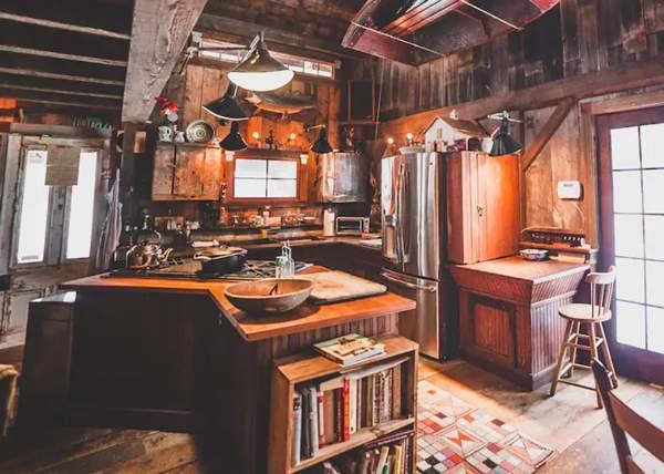 Vermont Cabin Interior Kitchent
