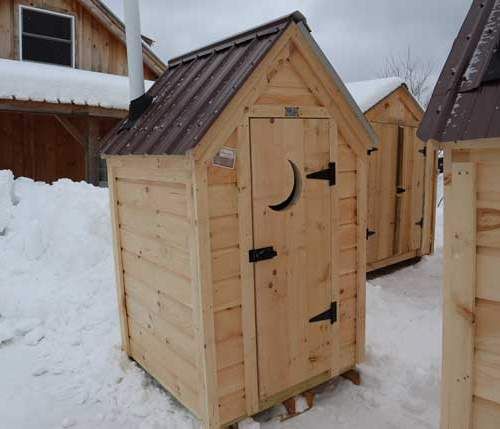 4x4 Working Outhouse custom