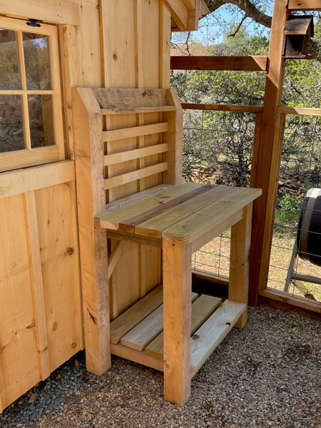 Workbench made out of rough sawn hemlock lumber pallets is a crafty idea for using up your EL (extra lumber).